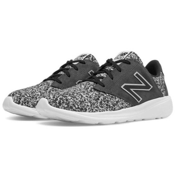 low priced 418c5 c6526 New Balance women s Lifestyle 1320 sneakers. M 5b019df431a376909f54b208